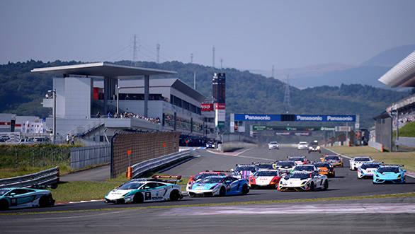First lap of the Lamborghini Blancpain Super Trofeo Asia Series in Fuji