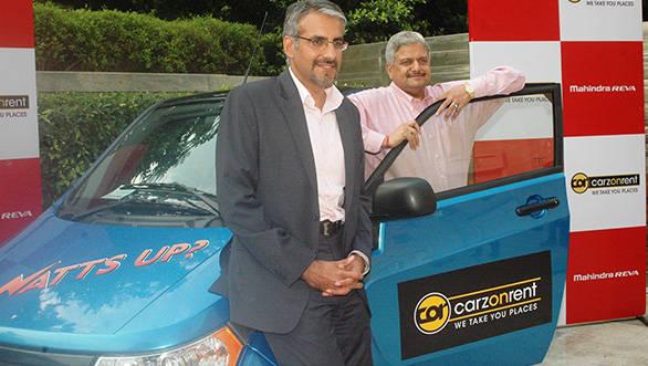 (L-to-R)-Mr.-(L-to-R)-Mr.-Chetan-Maini,-CEO-Mahindra-Reva-Electric-Vehicle-Pvt-Ltd_-Mr