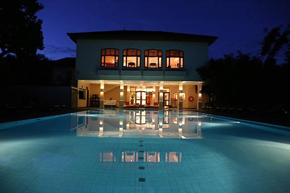 The swimming pool at the Ananda resort