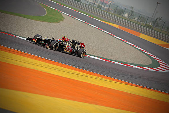 Romain Grosjean started off in 17th position but finished the race on the podium !