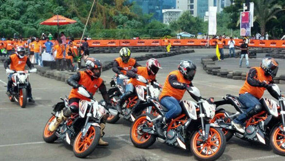 KTM--Orange-Day-Pics