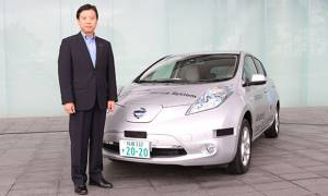Nissan starts testing semi-autonomous Leaf on public roads