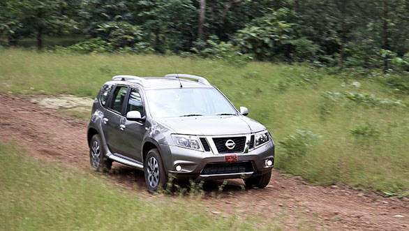 When it is time to go around a corner, the Terrano is more planted, more eager and a lot less hairy than the Mahindra