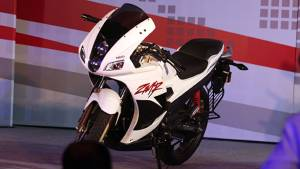 2014 Hero Karizma ZMR and R launched in India
