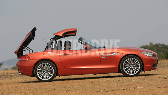 The roof opens or closes in 20 seconds and can be done even at speeds below 40kmph