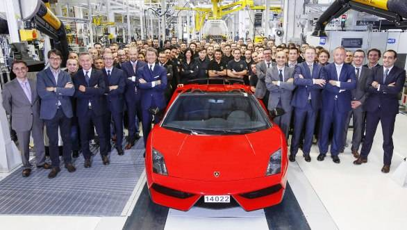 The last Gallardo, a red LP 570-4 Spyder Performante has left the production line