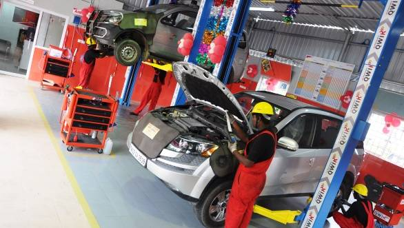 Mahindra QWIK service outlet