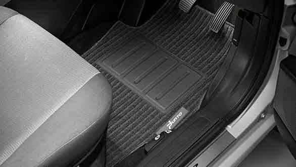 2013 Fiat Punto Absolute Edition floor mat