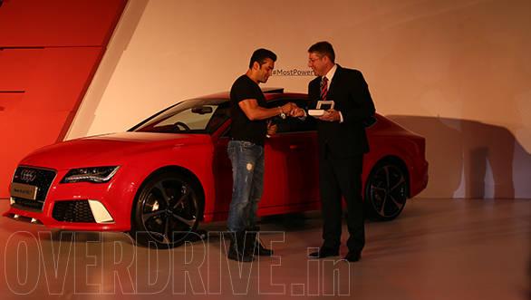 Joe King hands over the key to Salman Khan