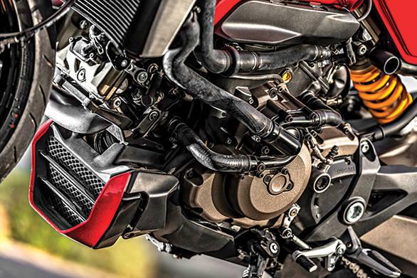 Ducati Monster 1200S (7)