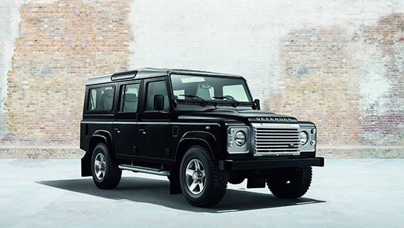 Land Rover Defender XS black