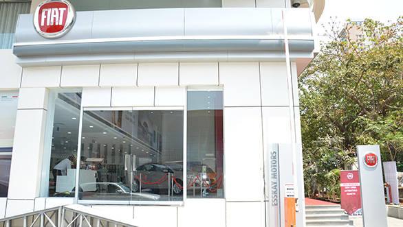 Esskay-Motors-showroom-at-Prabhadevi