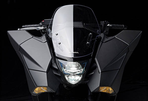 Honda-NM4-Vultus-2