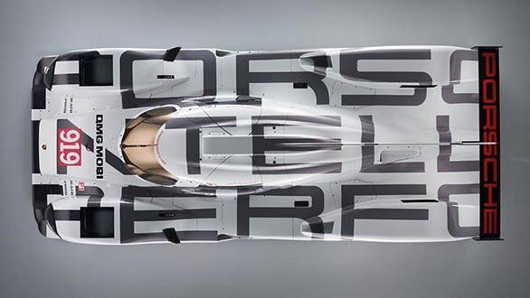Aerial view spells Porsche Intelligent Performance - nice touch though the livery is a little dull