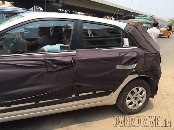 Hyundai i20 2015 spy pics (2)