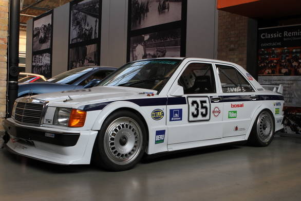 Racecars - like this DTM edition Mercedes-Benz 190 E - also find a spot at the museum