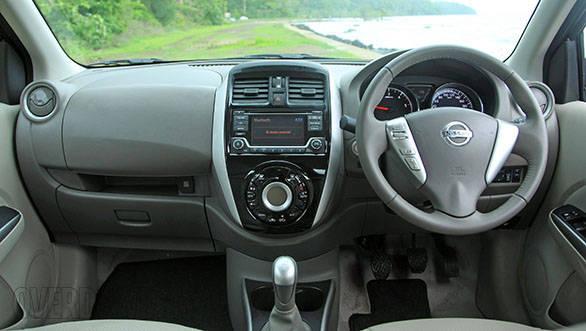 2014 Nissan Sunny (17)