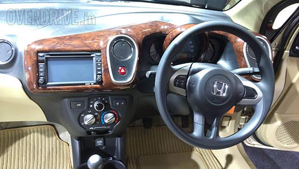 2014 Honda Mobilio RS (1)