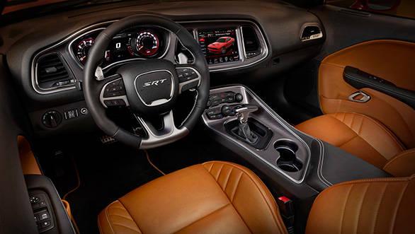 2015-Dodge-Hellcat-interiors