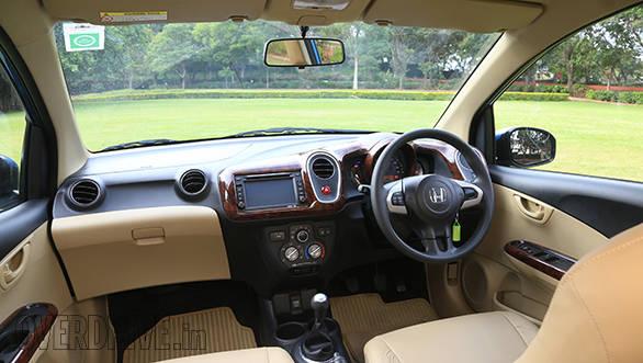 Honda Mobilio (1)