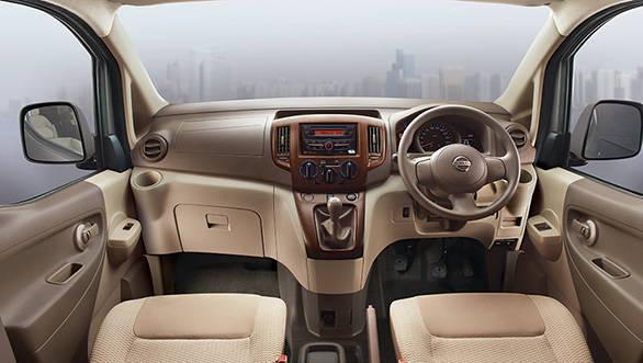 Nissan-Evalia-interiors
