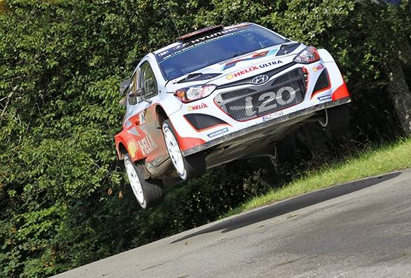 Neuville airborne on his way to victory at Rally Deutschland