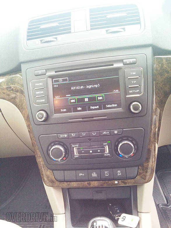The stereo is the same Bolero as seen in the Octavia
