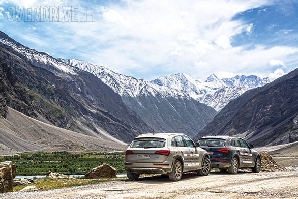 Ladakh was surprisingly dry and hot this year and we didn't see too much snow for most of the way except for these spectacular glaciers before Zoji La pass on the way to Srinagar