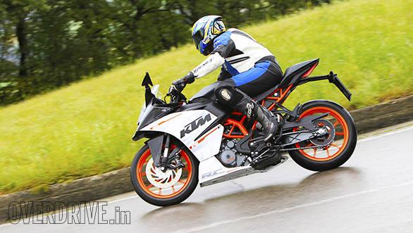 KTM RC 390 racetrack (1)