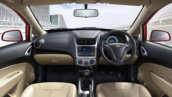 2014 Chevrolet Sail interiors