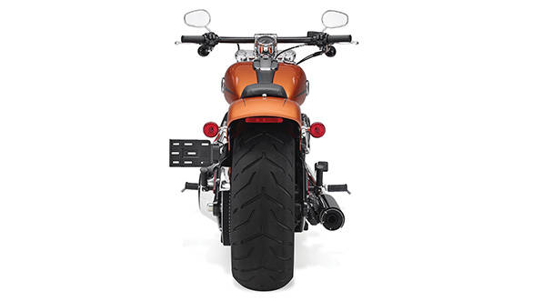 The fat tyre and the flat bars are clear indicators of the performance motorcycle the Breakout derives from