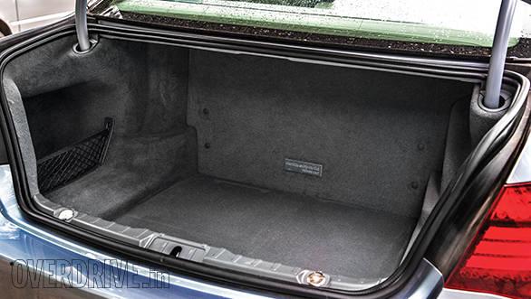 BMW ActiveHybrid 7L boot