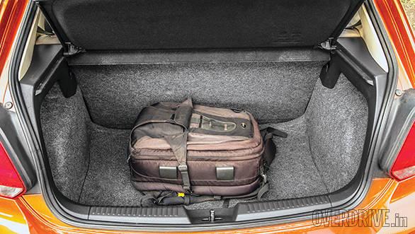 2014 Hyundai Elite i20 comparo (7)