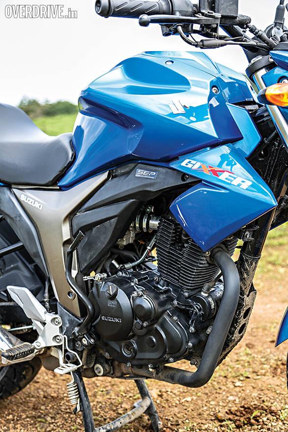 Suzuki Gixxer comparo (1)