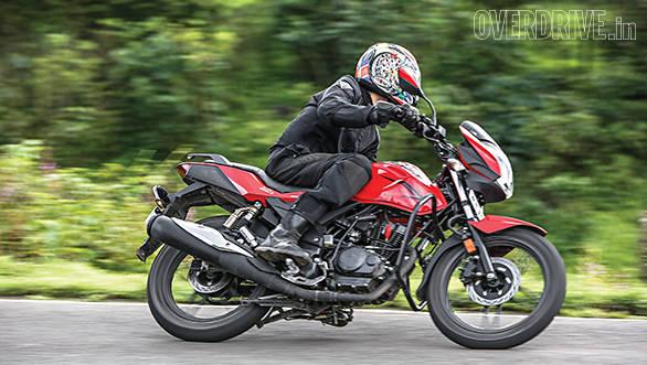 Suzuki Gixxer comparo (5)