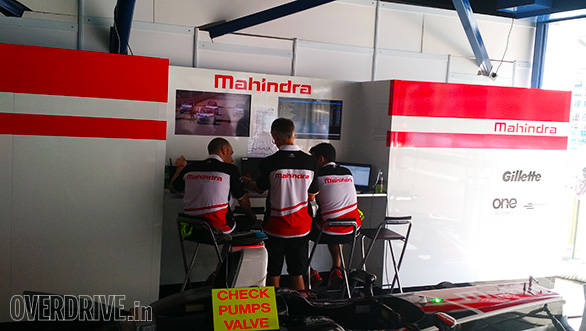 Race engineers analysing the results after the shakedown on Friday