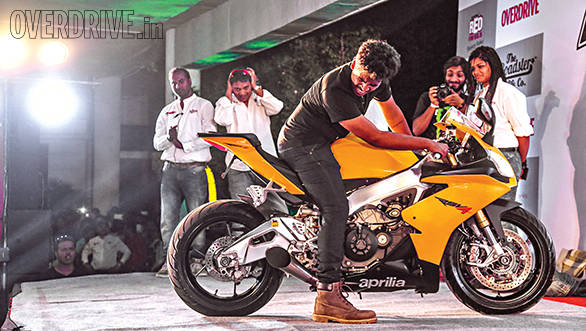 Soham Jadhav's life-threateningly loud Aprilia RSV4 saw off all comers - just see the expression on his and Bert's faces
