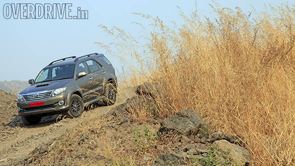 2015 Toyota Fortuner 3.0l 4x4 automatic (3)