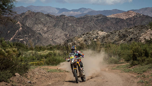 Marc Coma still leads the Dakar in the motorcycle category