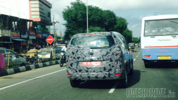 Renault_Lodgy_spied_(6)