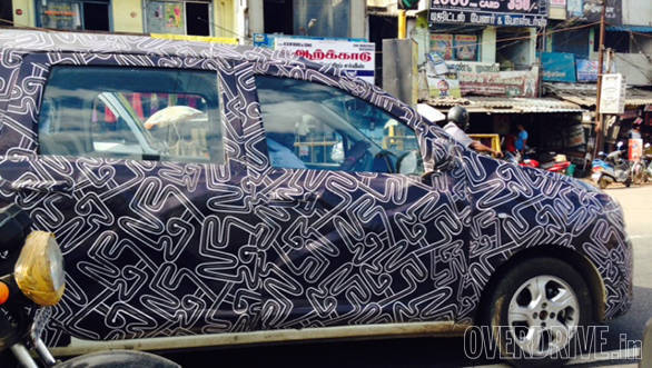 Renault_Lodgy_spied_(7)