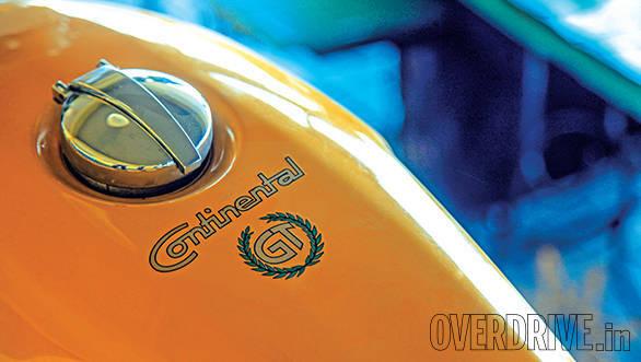 Triumph Thruxton vs Hero Splendor Pro Classic vs Royal Enfield Continental GT (18)