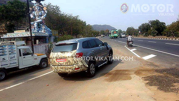 2016-ford-endeavour-everest-spied-india-rear-three-quarters