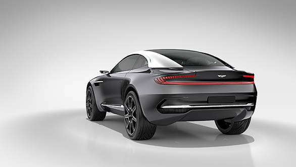 The DBX Concept's unique paint finish – Black Pearl Chromium – has been specially created to mimic the look of a genuine black pearl, and comprises a micro-fine layer of chrome to deliver a level of reflectivity that cannot be obtained through normal paint finishes.