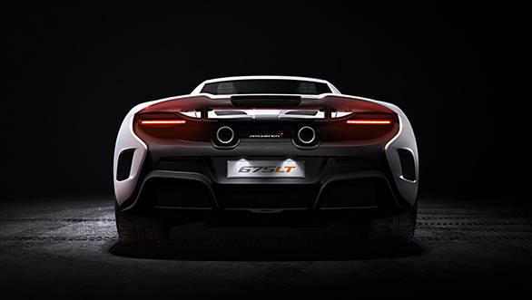 McLaren 675LT_studio_03