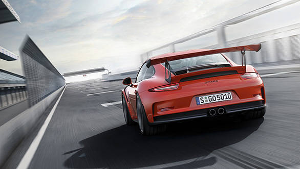 GT3 RS gets a large rear wing, reinforcing its dominant look.