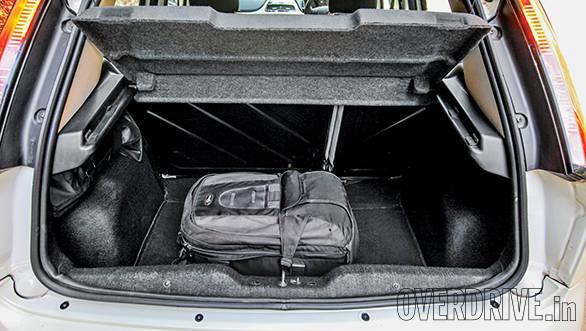Tata Bolt vs Hyundai Elite i20 vs Fiat Punto Evo vs Volkswagen Polo (21)