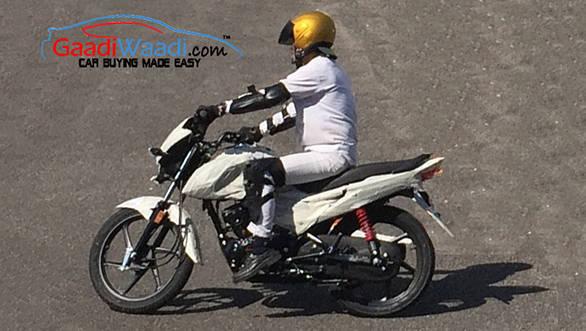 Honda 110cc Dream spied testing 3