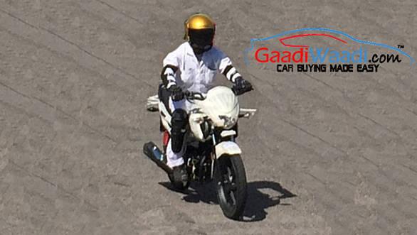 Honda 110cc Dream spied testing 4