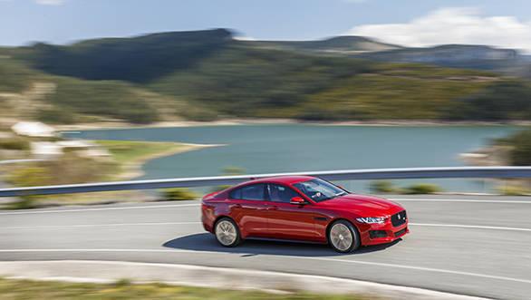 Jaguar XE V6S (1)